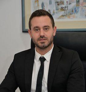 מור אזולאי, עורך דין